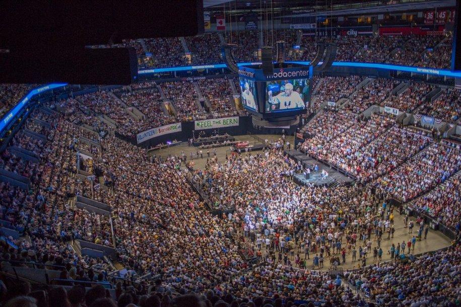 Bernie-Sanders-Portland-OR.jpg