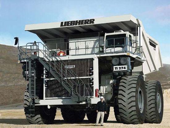 0804dp_02_z_10_largest_dump_trucks_liebherr_ti_274.jpg