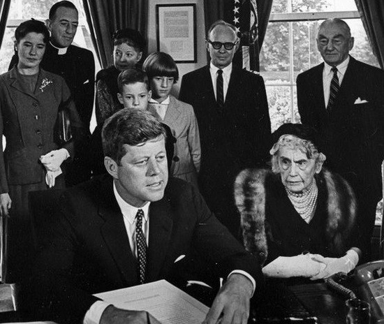JFK sings Wilson Act with Edith Wilson