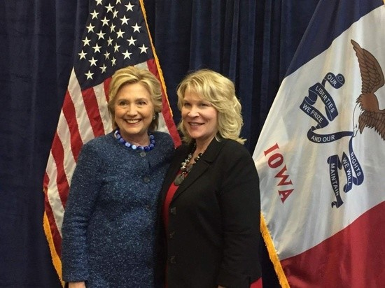 Kim_and_Hillary.jpg