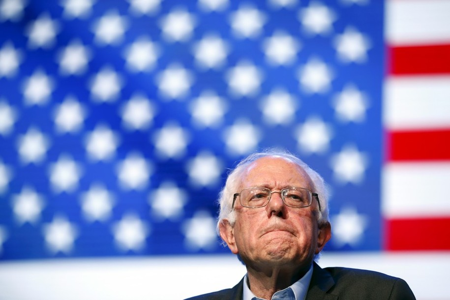 Democratic U.S. presidential candidate Bernie Sanders reacts as he speaks at a rally in Hollywood, Los Angeles, California, United States October 14, 2015. REUTERS/Lucy Nicholson - RTS4IJX