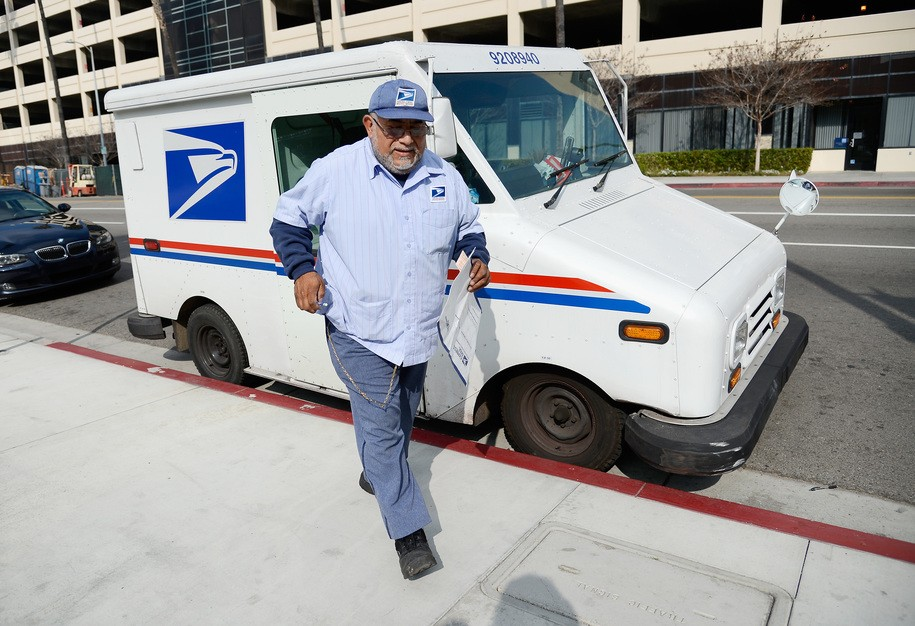 Postal Service plans to slash worker benefits, this week in the war on workers