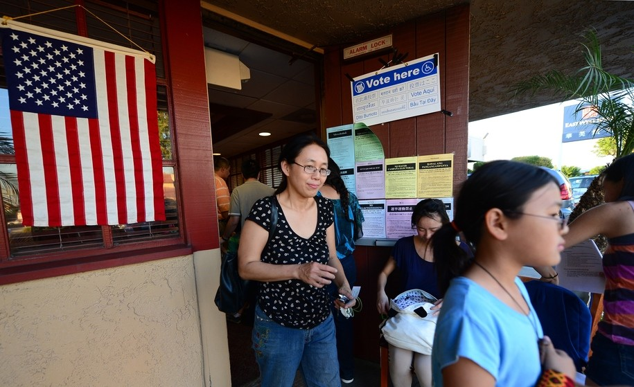Clinton is trouncing Trump among Asian American voters