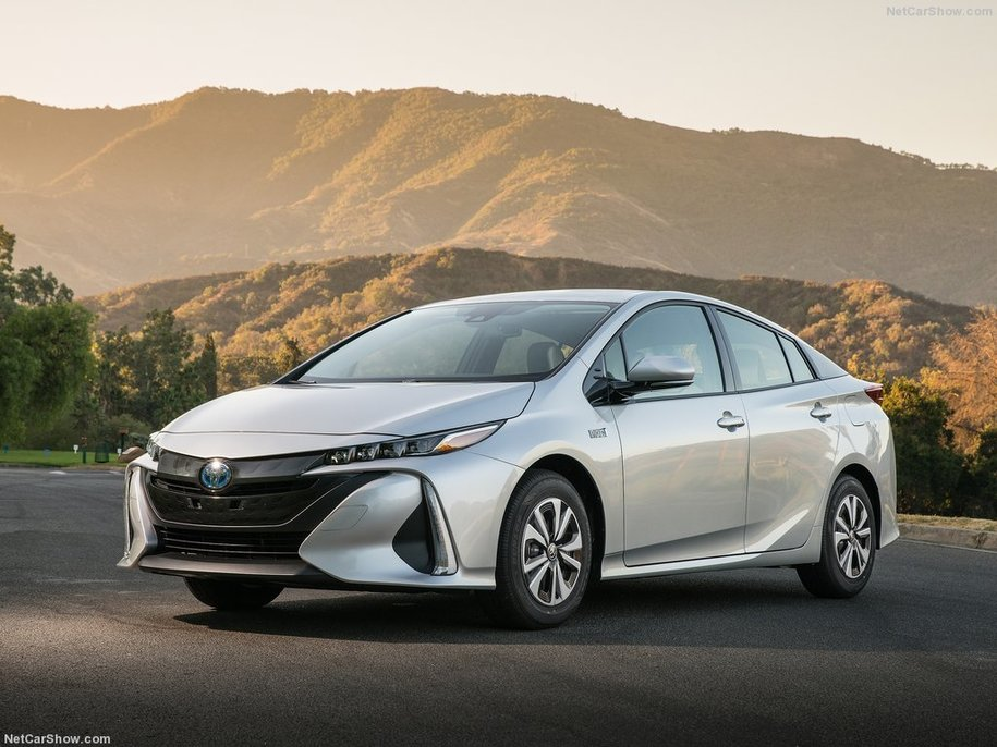 California will not buy vehicles from GM, Toyota, others opposing higher fuel economy standards