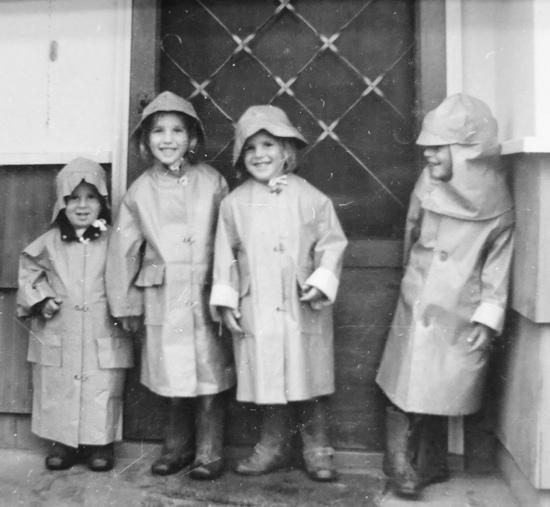 Larry Barnett with siblings
