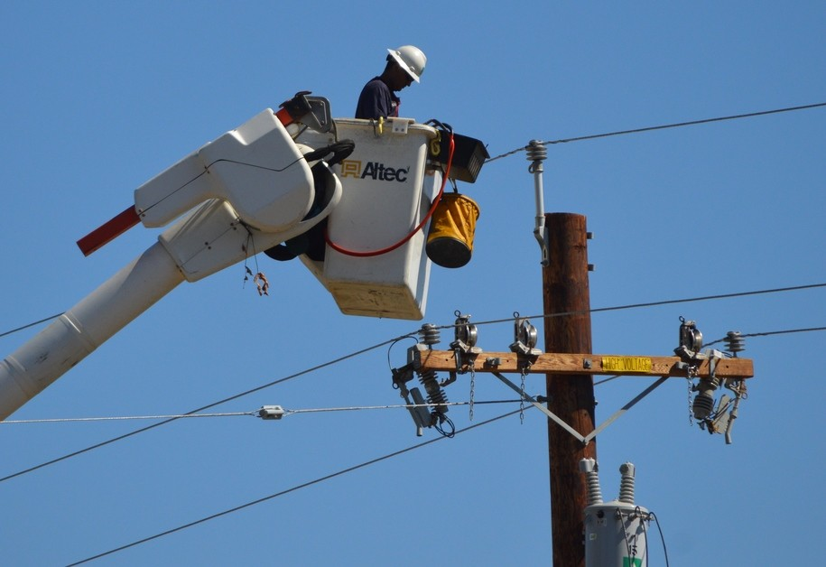 Bankrupted PG&E rejects San Francisco's bid to buy back the power grid