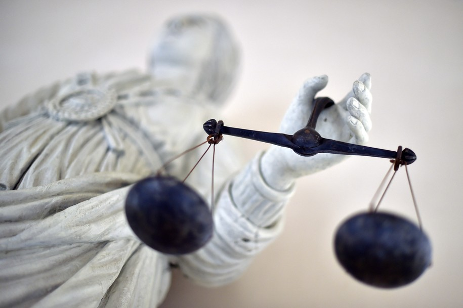 blind injustice a former prosecutor exposes the psychology and politics of wrongful convictions