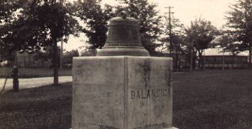 Madison_Barracks_bell_1_.jpg