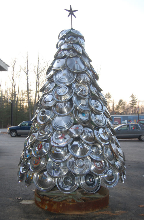 Ian 12 11 17 Redneck Christmas Decorations