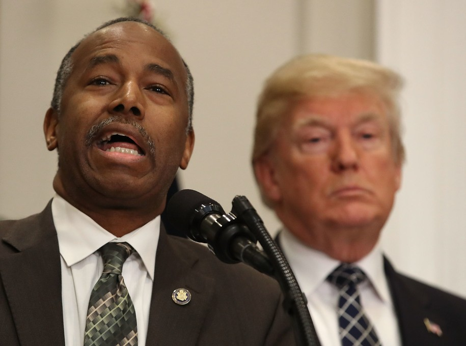 Ben Carson's daily schedules suggest he's not exactly burning the midnight oil over at HUD