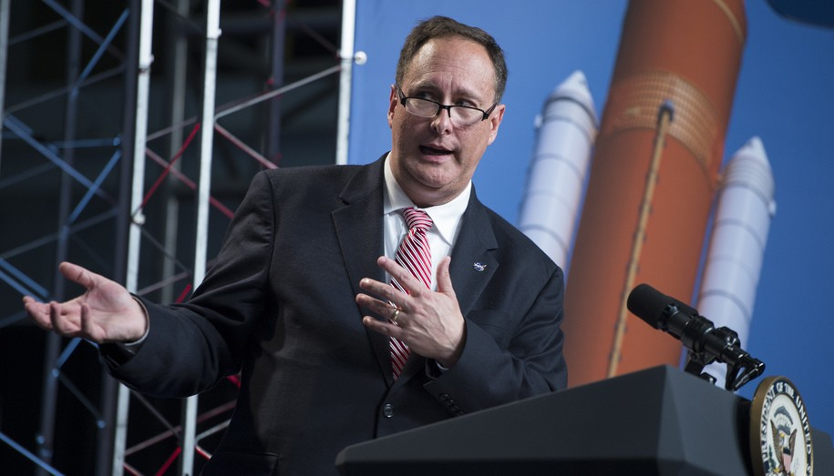 NASA's acting administrator retires without warning, no reason given, Trump and Pence on hot seat