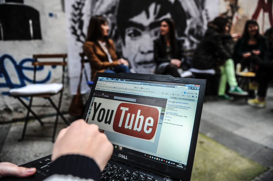 YouTube bans videos promoting the selling or making of guns