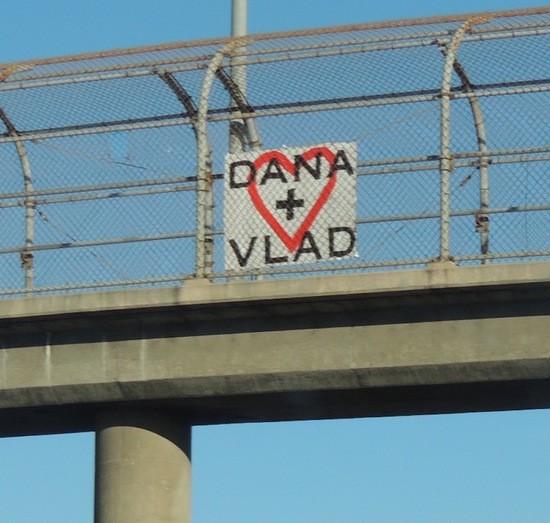 Dana + Vlad sign overI-405