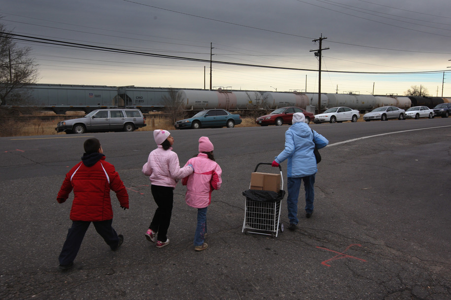 Deregulated oil refinery has been spewing cyanide gas into  low-income Denver neighborhoods