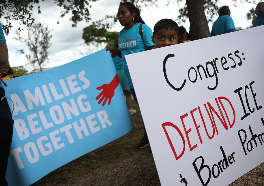 Trump admin 'only doing the bare minimum' to reunite migrant kids stolen from parents