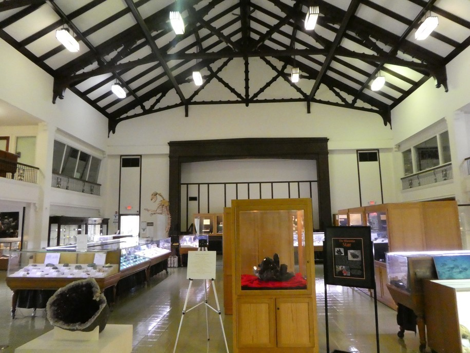 Museums 101: The Mineral Museum (Photo Diary)