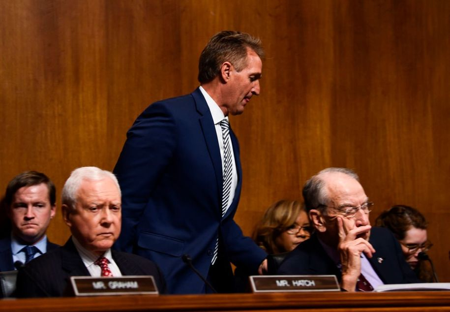 Powerful Republican bows to Jeff Flake's in demand for vote on bill protecting Mueller investigation