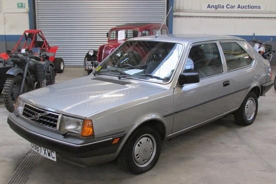 eaec263d-1987-volvo-340-1.jpg