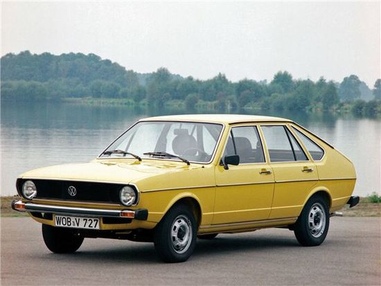 Volkswagen_Passat_B1_%281%29.jpg