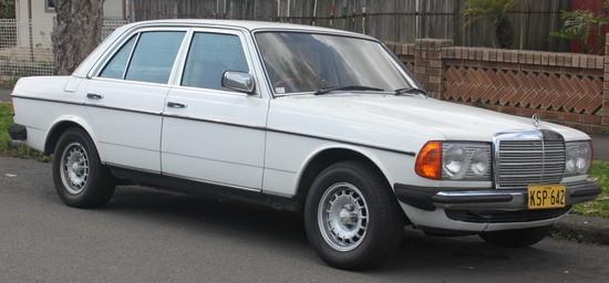 1980_Mercedes-Benz_300_D_%28W123%29_sedan_%2820980100691%29.jpg