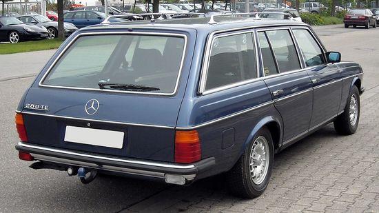 1280px-Mercedes-Benz_W123_T-Modell_rear_20090430.jpg