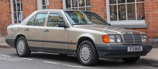 1200px-1988_Mercedes-Benz_300d_Diesel_Automatic_3.0_Front.jpg