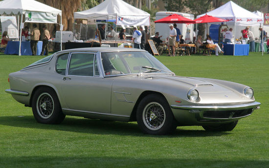 1967_Maserati_Mistral_Coupe_-_silver_-_fvr_%284637057473%29_cropped.jpg