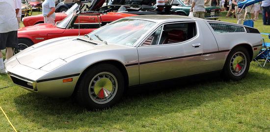 1280px-1973_Maserati_Bora_in_Greenwich.jpg