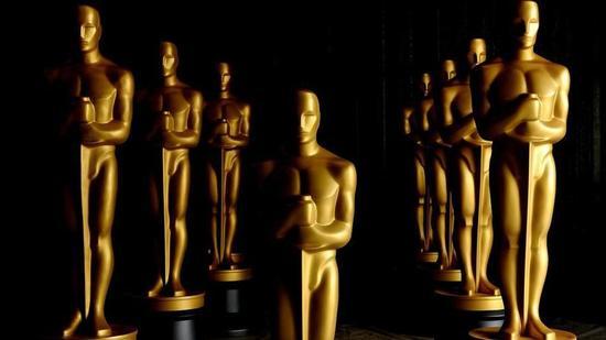 academy-awards-statues.jpg