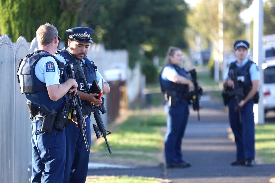 AUCKLAND, NEW ZEALAND - MARCH 15: Armed police maintain a presence outside the Masijd Ayesha Mosque in Manurewa on March 15, 2019 in Auckland, New Zealand. Four people are in custody following shootings at two mosques in Christchurch this afternoon, and the number of fatalities has yet to be confirmed. New Zealanders have been urged to not attend evening prayers today following the attacks. (Photo by Phil Walter/Getty Images)