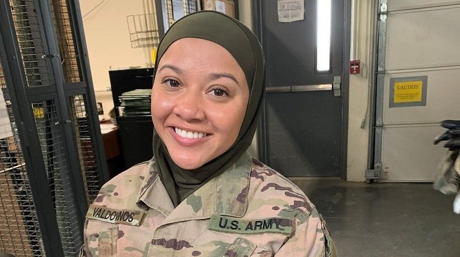 Command Sergeant Major with Apparent X-Ray Vision Sees Muslim Soldier's Hair Through Her Hijab
