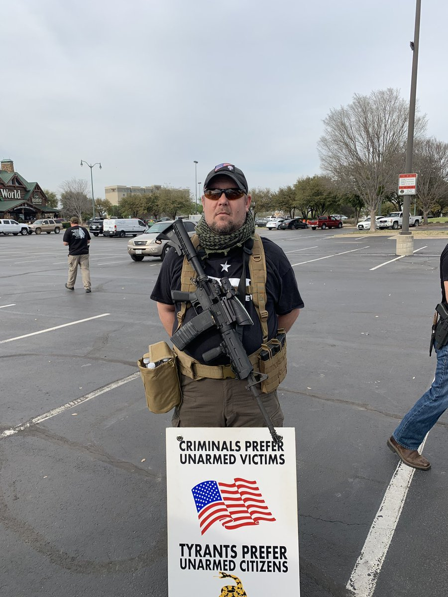 Idiot Shows Up at Kamala Harris Rally with an AR, Mercilessly Mocked on Twitter.