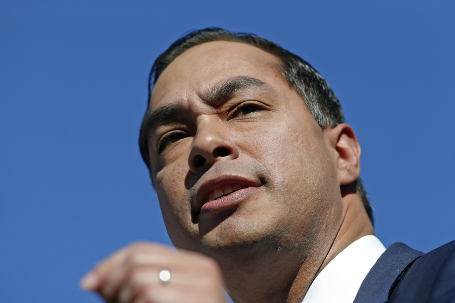 Who is Julián Castro? 5 facts about the Texan who wants to decriminalize crossing the border