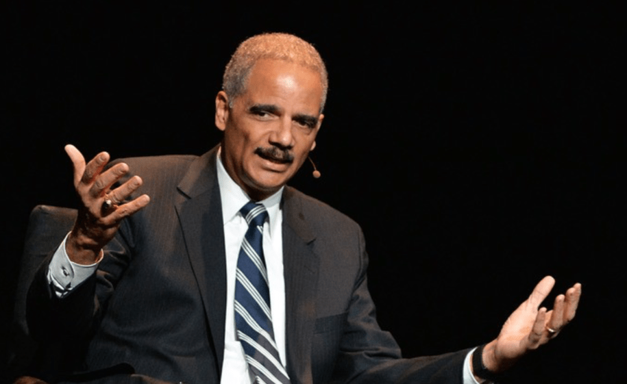 Former AG Eric Holder sums up Willam Barr with one tweet