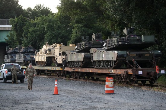 The July 4th props have arrived tanks in DC, no