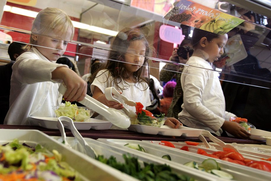 Vermont legislators propose bill to become first state to give universal free meals in public school