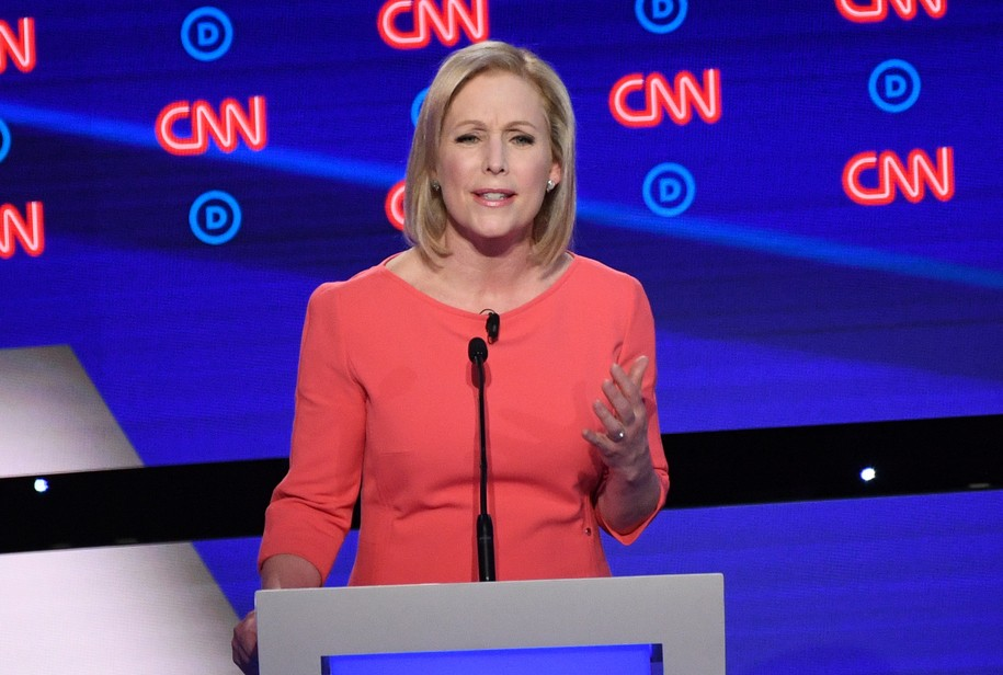 Sen. Gillibrand steps over CNN's divisive question and talks about the need for universal healthcare