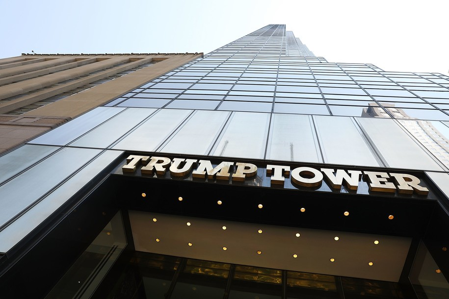 Over 350,000 people sign petition to rename Fifth Ave in front of Trump Tower after President Obama