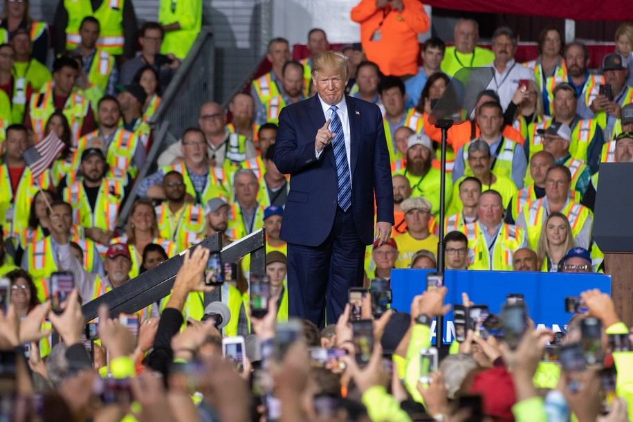 Oil and gas giant Shell told workers to show up and cheer for Trump if they wanted to get paid.