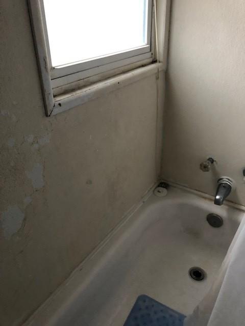 Matthewsstreetbathroom.jpg