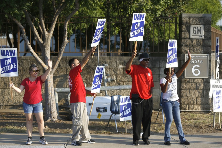 UAW workers strike against GM as contract negotiations stall