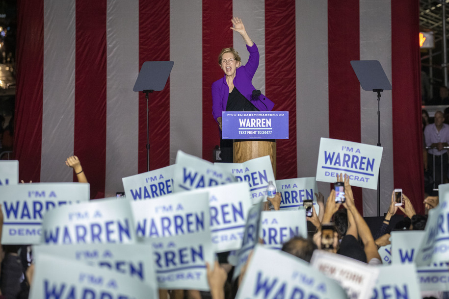 Warren draws 20,000 in NYC, the undisputed biggest draw of the field