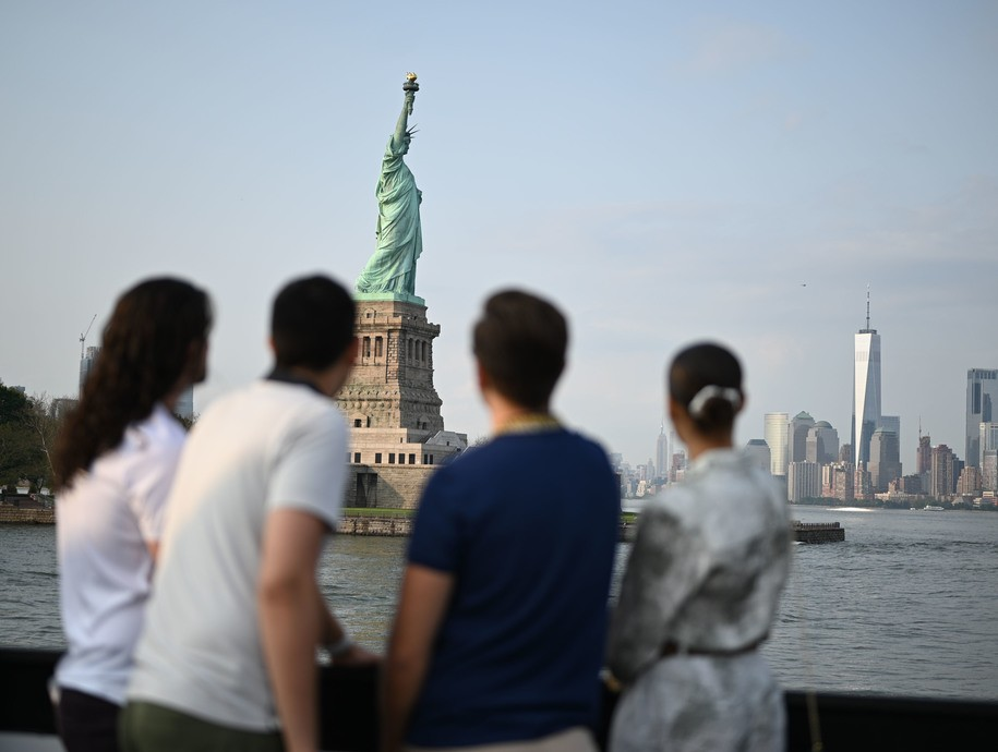 Three muslim mothers and 8 kids not allowed onto NYC ferry because of imaginary 'security issue'