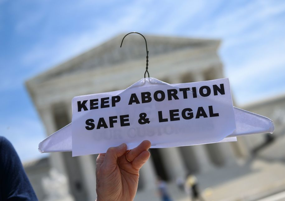 Florida lawmakers pass restrictive abortion parental consent bill for pregnant people under 18