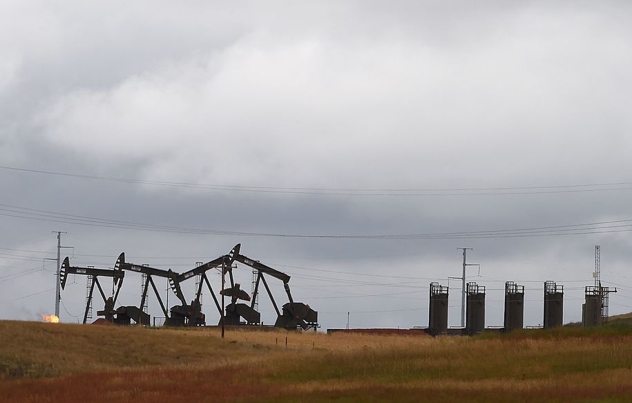 Whiting oil hands out $14.6 million in cash to top executives days before filing for bankruptcy