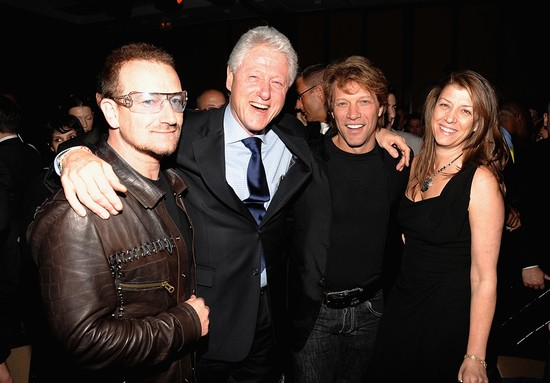 NEW YORK - APRIL 21: Bono, Former President Bill Clinton, Jon Bon Jovi and Dorothea Bon Jovi attend the Food Bank For New York City's Sixth Annual Can-Do Awards at Abigail Kirsch's Pier Sixty at Chelsea Piers on April 21, 2009 in New York City (Photo by Jamie McCarthy/WireImage for BWR)