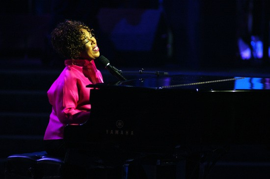 LOS ANGELES - MAY 31: Roberta Flack performs onstage during the 2002 Essence Awards on May 31, 2002 at the Universal Amphitheater in Los Angeles, California. (Photo by Kevin Winter/ImageDirect/Fox)