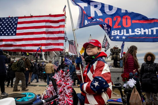 """Trump Supporters Hold """"Stop The Steal"""" Rally In DC Amid Ratification Of Presidential Election  WASHINGTON, DC - JANUARY 6: Pro-Trump protesters gather in front of the U.S. Capitol Building on January 6, 2021 in Washington, DC. Trump supporters gathered in the nation"""