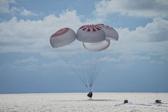 SpaceXInspiration4splashdownSeptember2021.jpg